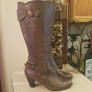 Clarks Leather boots size 7